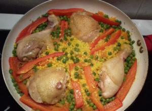 csirkés paella csirkecombból